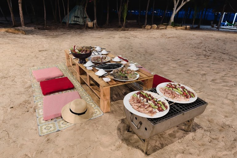 Tổ chức những bữa tiệc ngoài trời tại khu cắm trại