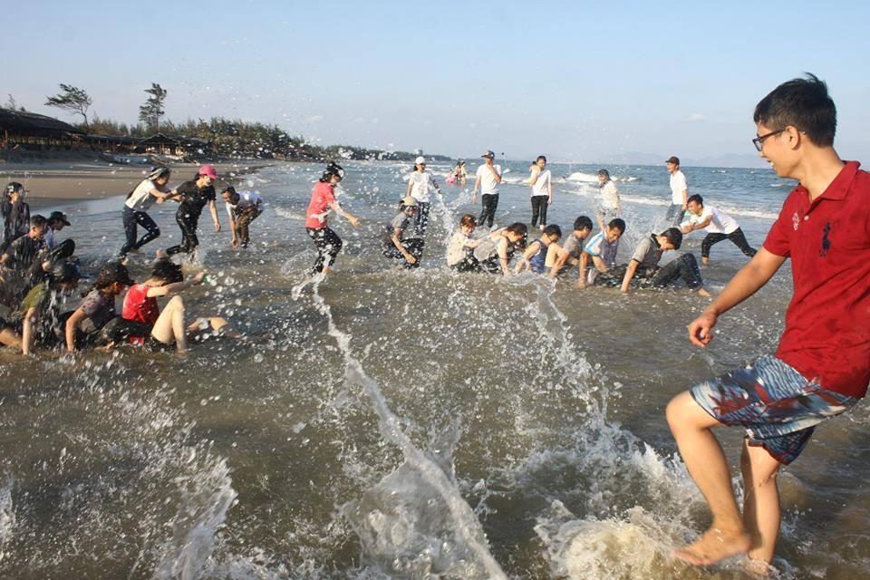Hoạt động vui chơi trên bãi biển