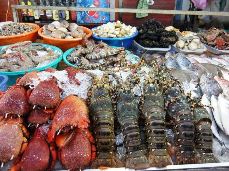 Hải sản tươi ngon ở chợ Long Hải