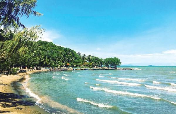 Bãi biển Mũi Nai 2