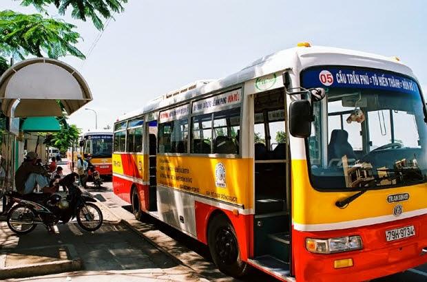 Xe buýt ở Nha Trang